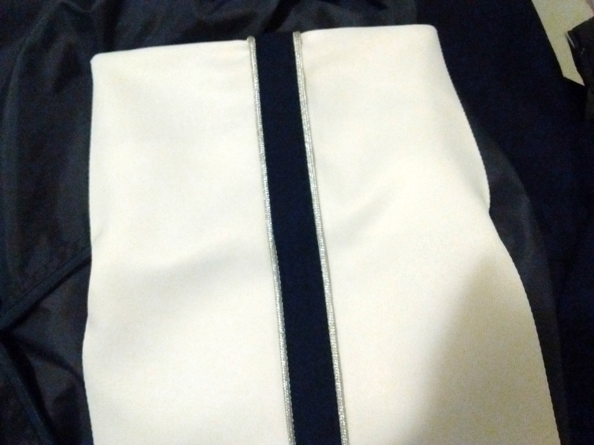 band uniform hem (52)a